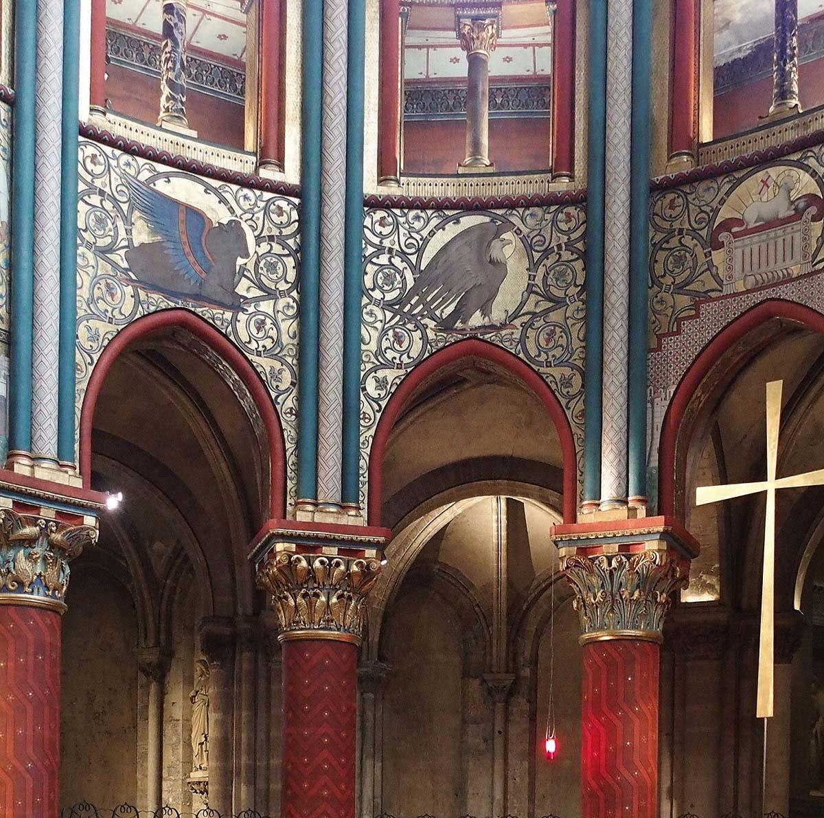 Restauration faite : Saint-Germain-des-Prés, chœur rénové.