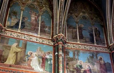 Restauration à faire: Sainte-Clotilde, fresque.